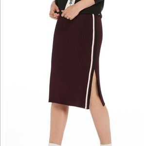 Sporty pencil skirt